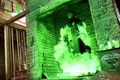 Harry utilisant la poudre de Cheminette pour la première fois dans CS/f
