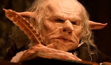 le gobelin accueillant Harry et Hagrid à Gringotts dans ES/f