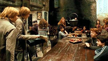 Famille Weasley au Chaudron Baveur