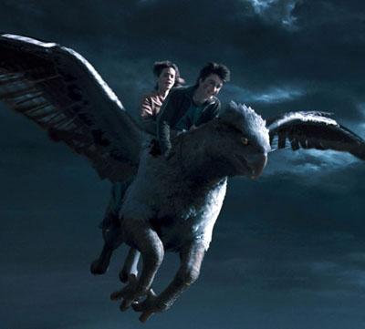 Harry et Hermione sur Buck dans PA/f © 2004 Warner Bros.