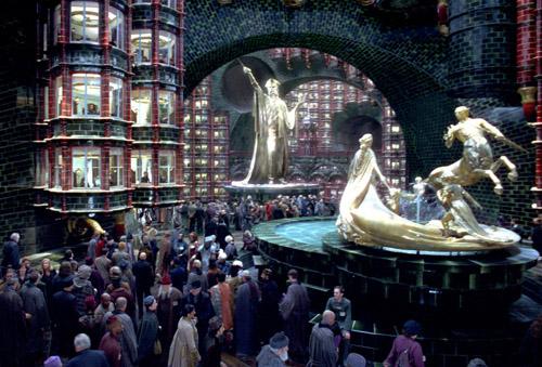 L'Atrium du ministère de la Magie dans OP/f © 2007 Warner Bros.