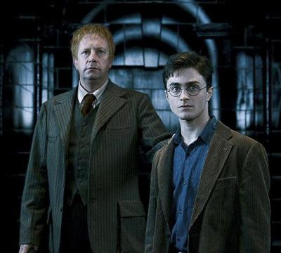 Arthur et Harry au niveau 10 du ministère de la Magie dans OP/f