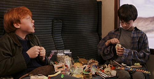 Harry et Ron faisant connaissance autour de sucreries dans ES/f