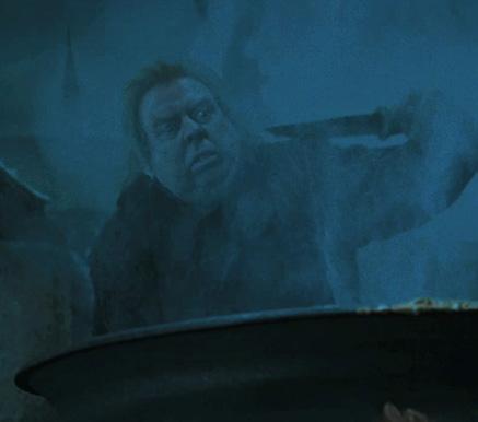 Queudver mettant en oeuvre la cérémonie de résurrection de Voldemort dans CF/f