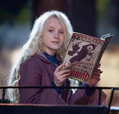 Luna lisant le Chicaneur dans OP/f