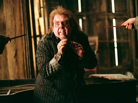Queudver acculé par Sirius et Lupin dans PA/f