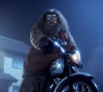 Hagrid sur sa moto volante dans ES/f