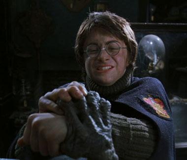 Harry et la Main de la Gloire chez Barjow et Beurk dans CS/f