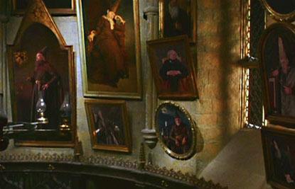 portraits des anciens directeurs dans le bureau de Dumbledore dans CS/f